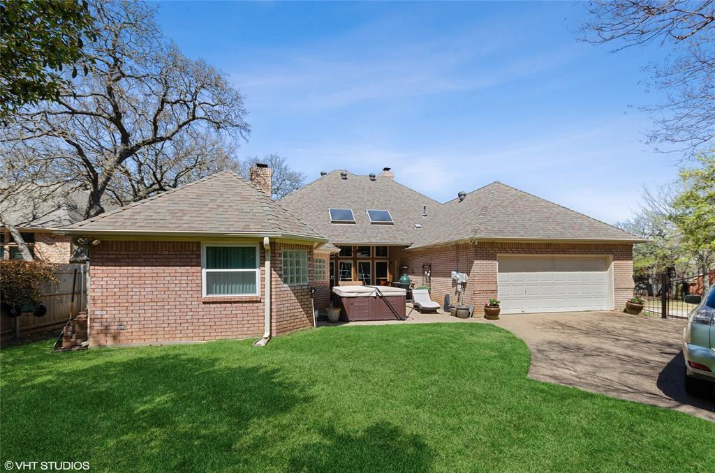 926 Holly Hills  Court, Keller, Texas 76248 - acquisto real estate best realtor foreclosure real estate mike shepeherd walnut grove realtor