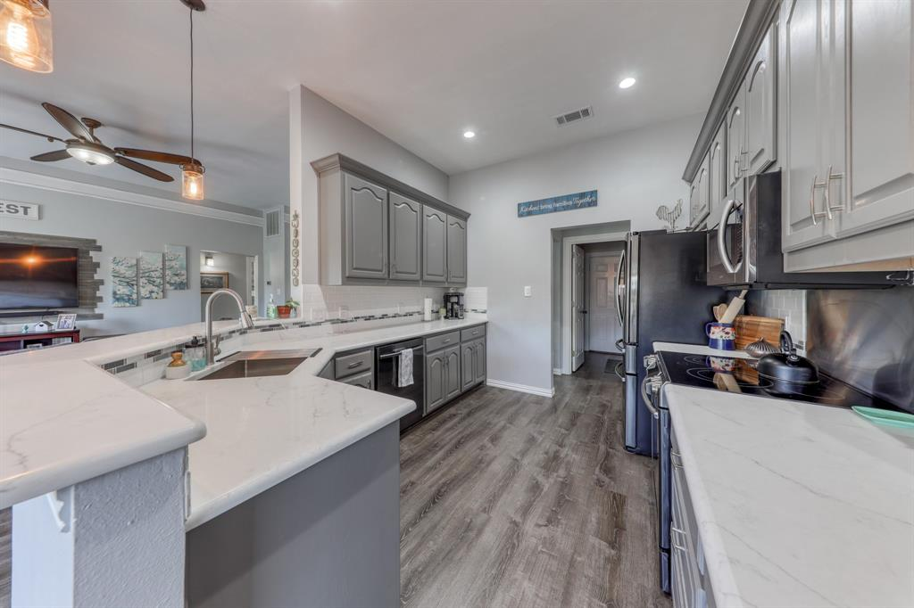 1029 Calinco  Drive, Granbury, Texas 76048 - Acquisto Real Estate best mckinney realtor hannah ewing stonebridge ranch expert