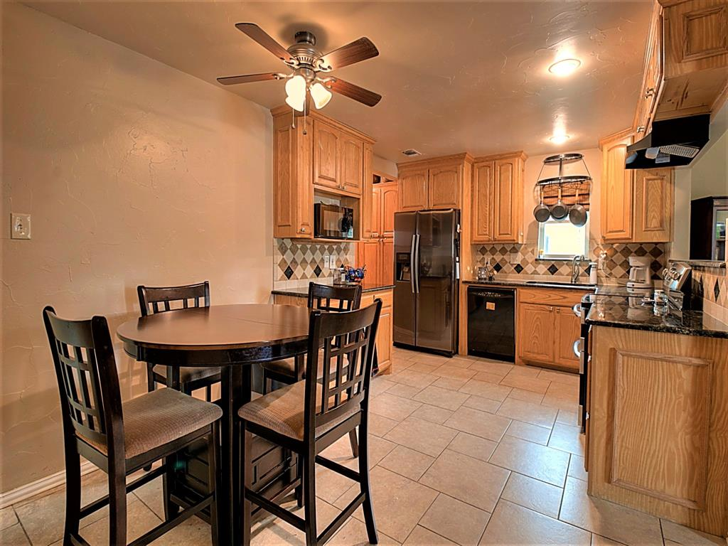 616 Creekview  Drive, Burleson, Texas 76028 - acquisto real estate best real estate company in frisco texas real estate showings