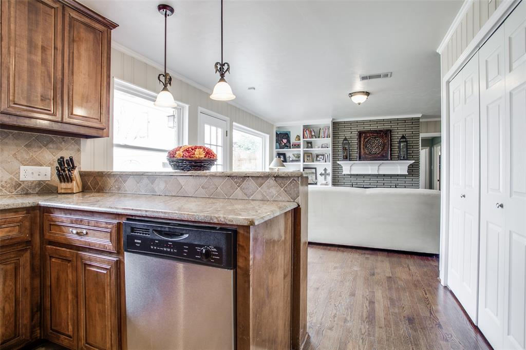 10005 Lakedale Drive, Dallas, Texas 75218 - acquisto real estate best luxury buyers agent in texas shana acquisto inheritance realtor