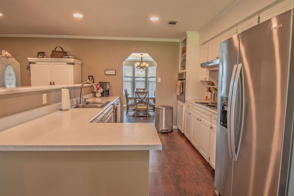 104 Oak Lane, Burleson, Texas 76028 - acquisto real estate best celina realtor logan lawrence best dressed realtor