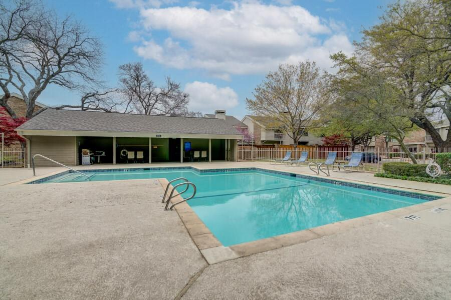 6826 Northwest  Highway, Dallas, Texas 75231 - acquisto real estate mvp award real estate logan lawrence