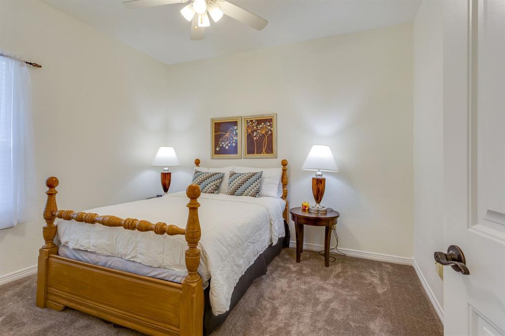 1809 Rockview  Drive, Granbury, Texas 76049 - acquisto real estate best realtor dfw jody daley liberty high school realtor