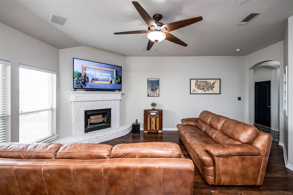 1482 Park Crest Drive, Crowley, Texas 76036 - acquisto real estate best listing agent in the nation shana acquisto estate realtor
