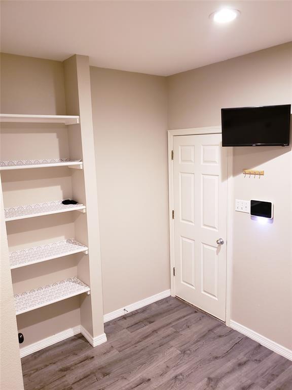 108 Meadow Glen  Lane, Ovilla, Texas 75154 - acquisto real estate best realtor foreclosure real estate mike shepeherd walnut grove realtor