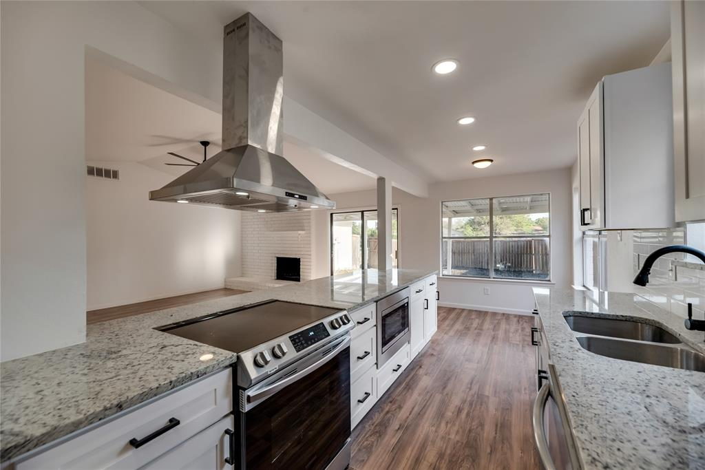 2205 Greenvalley  Drive, Carrollton, Texas 75007 - acquisto real estate best real estate company to work for