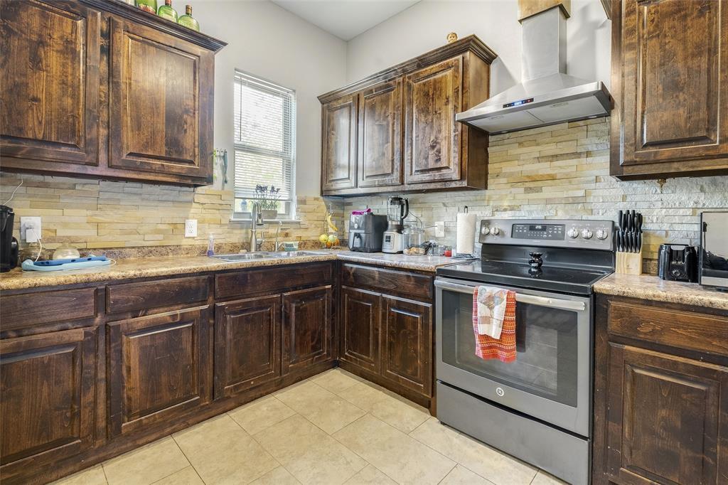 8102 Suetelle  Drive, Dallas, Texas 75217 - acquisto real estate best realtor dallas texas linda miller agent for cultural buyers