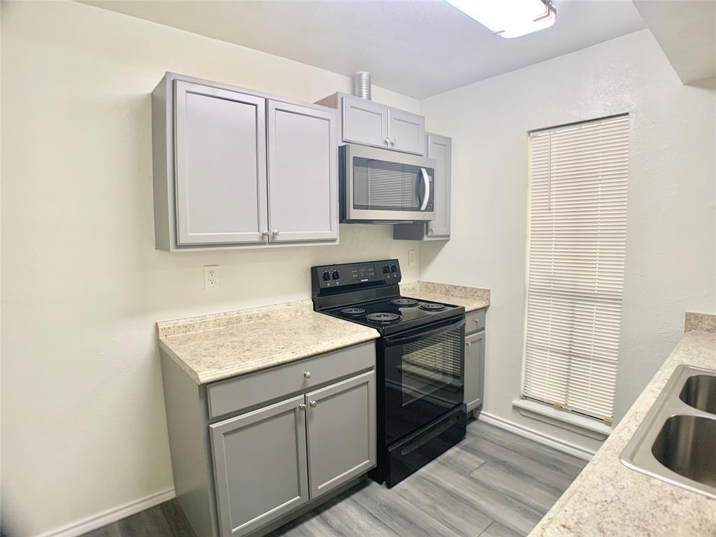 312 Navarro  Lane, Grand Prairie, Texas 75052 - acquisto real estate best highland park realtor amy gasperini fast real estate service