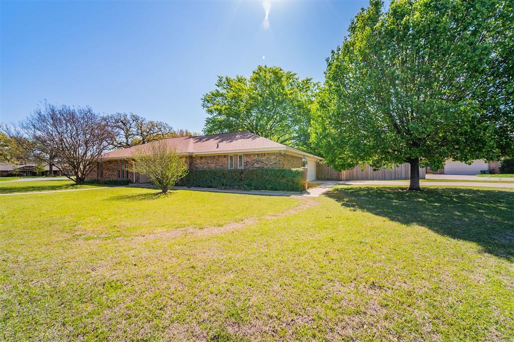 104 Mountain Valley Boulevard, Joshua, Texas 76058 - acquisto real estate best realtor foreclosure real estate mike shepeherd walnut grove realtor