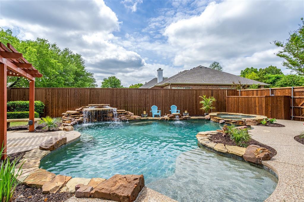 2000 Ledgestone  Drive, Corinth, Texas 76210 - acquisto real estate best luxury home specialist shana acquisto
