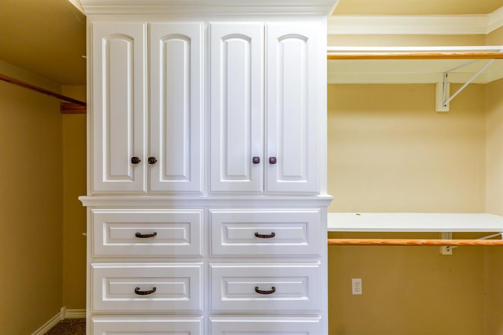138 Silver  Street, Bowie, Texas 76230 - acquisto real estate best negotiating realtor linda miller declutter realtor