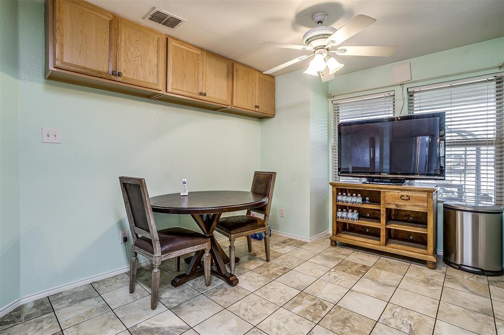 2529 Castle Pines Drive, Burleson, Texas 76028 - acquisto real estate best celina realtor logan lawrence best dressed realtor