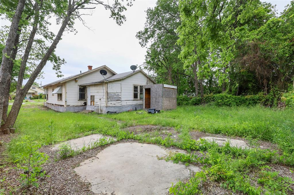 1215 Robert  Street, Fort Worth, Texas 76104 - acquisto real estate best real estate company in frisco texas real estate showings