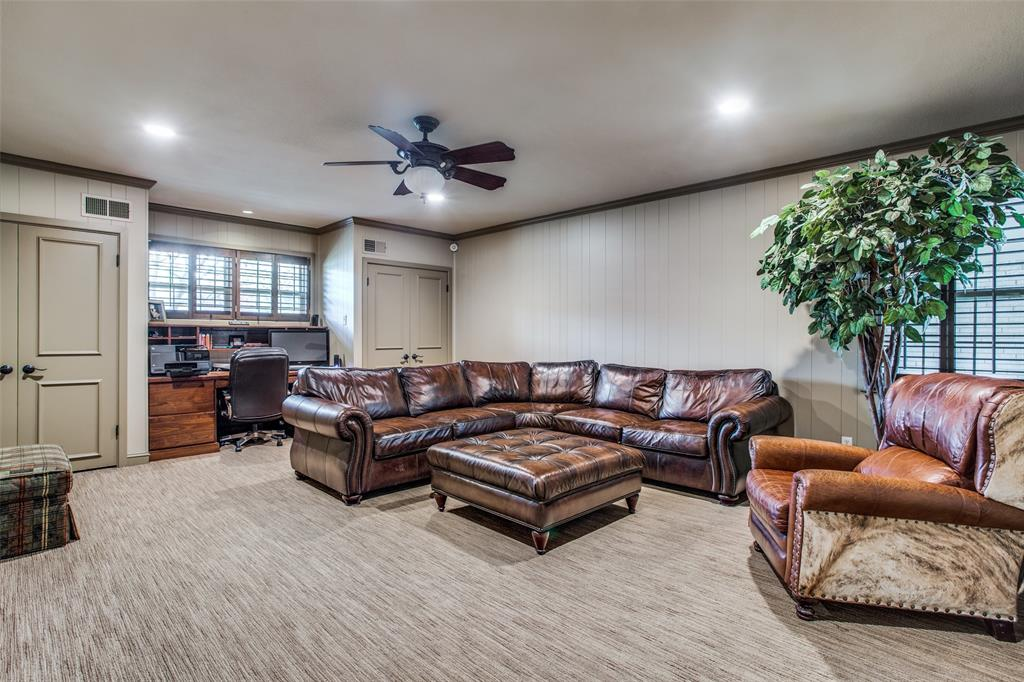 11256 Russwood Circle, Dallas, Texas 75229 - acquisto real estate best style realtor kim miller best real estate reviews dfw