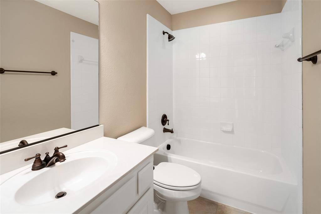 935 Pine Burst  Drive, Allen, Texas 75013 - acquisto real estate best frisco real estate agent amy gasperini panther creek realtor