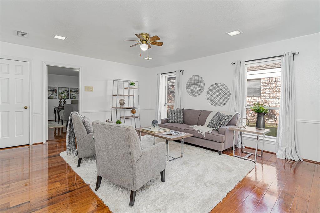 1300 Chesterton  Drive, Richardson, Texas 75080 - acquisto real estate best style realtor kim miller best real estate reviews dfw