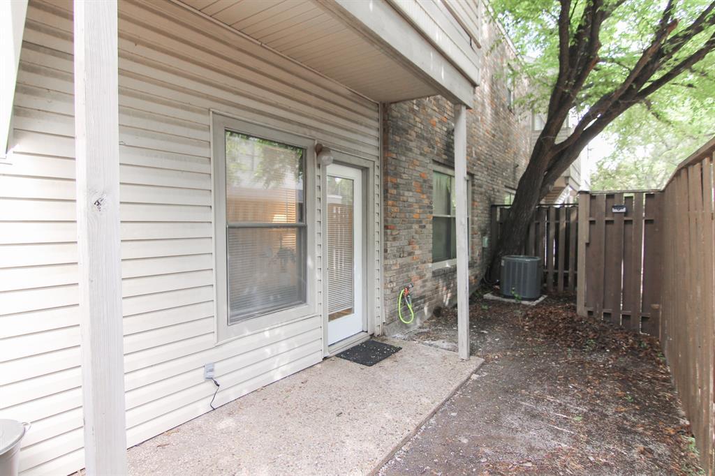 7340 Skillman  Street, Dallas, Texas 75231 - acquisto real estate best new home sales realtor linda miller executor real estate