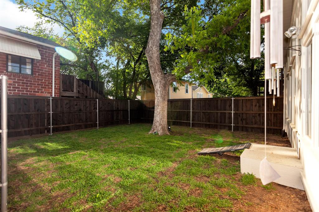 2260 Fairmount  Avenue, Fort Worth, Texas 76110 - acquisto real estaet best boutique real estate firm in texas for high net worth sellers
