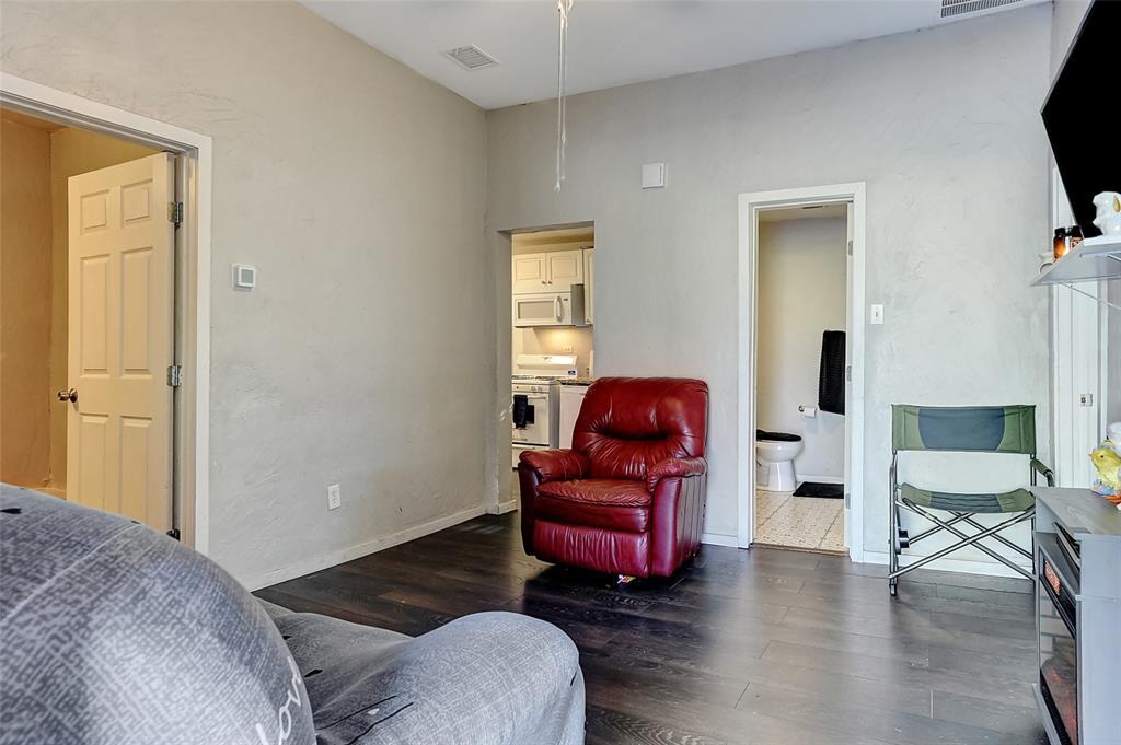 710 Scullin Avenue, Denison, Texas 75020 - acquisto real estate best highland park realtor amy gasperini fast real estate service