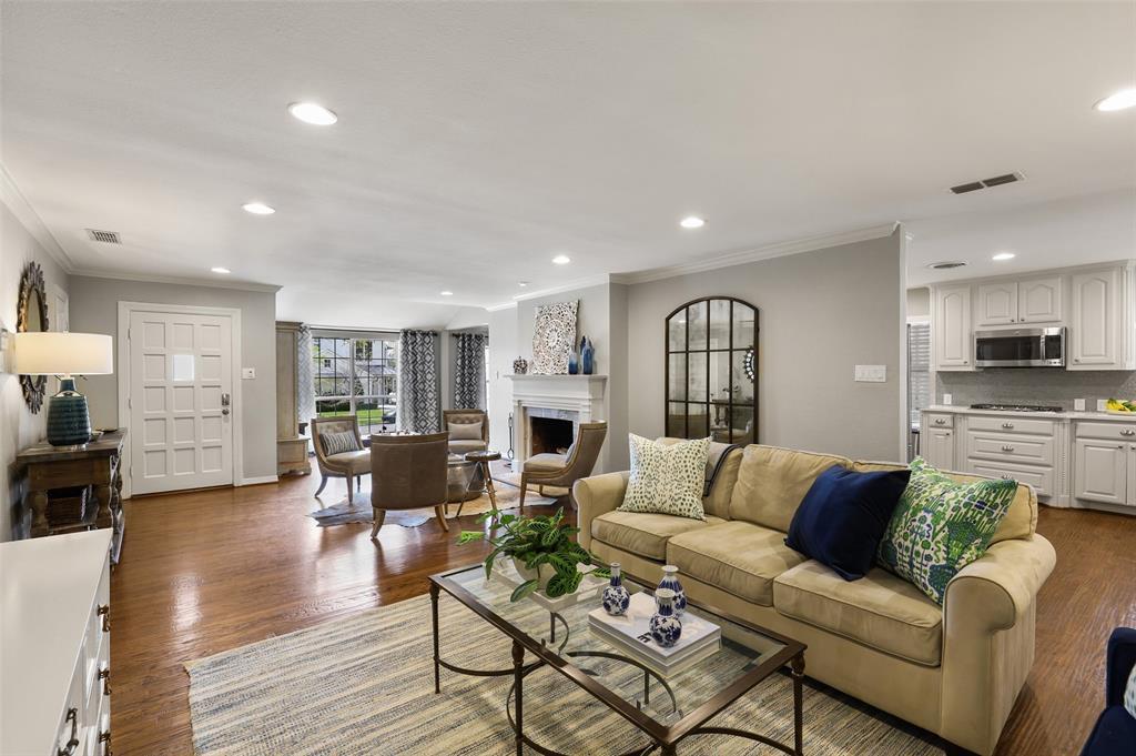 6843 La Vista  Drive, Dallas, Texas 75214 - acquisto real estate best highland park realtor amy gasperini fast real estate service