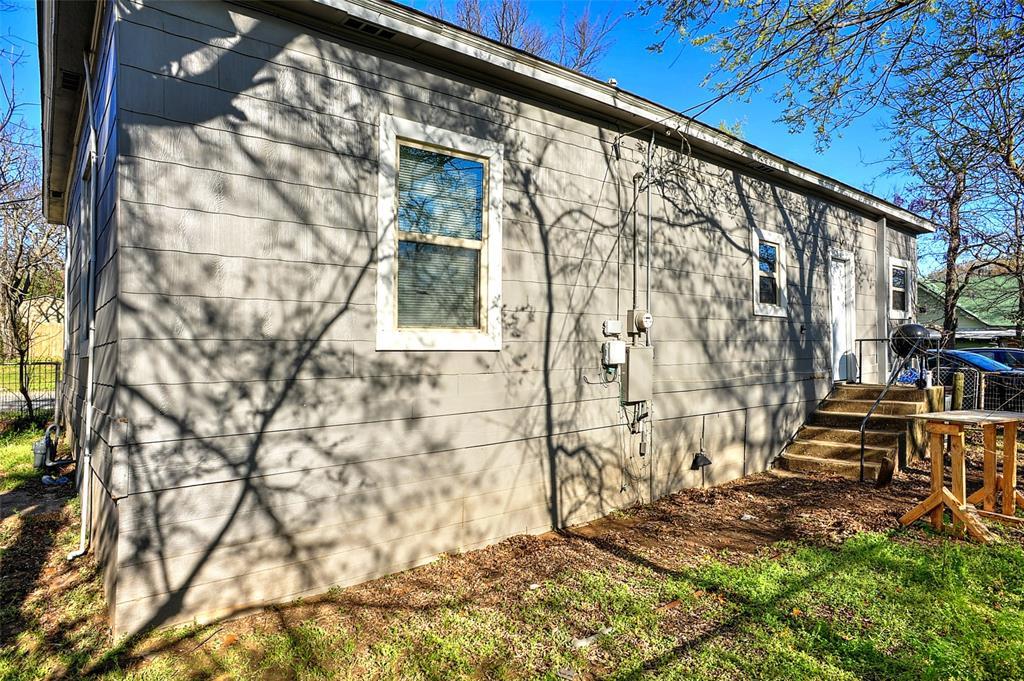710 Scullin Avenue, Denison, Texas 75020 - acquisto real estate best frisco real estate agent amy gasperini panther creek realtor