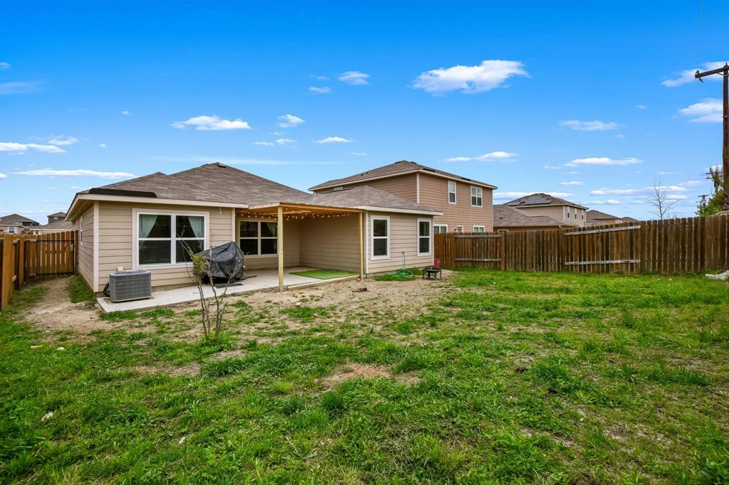 14261 Bridgeview  Lane, Dallas, Texas 75253 - acquisto real estate best realtor dfw jody daley liberty high school realtor