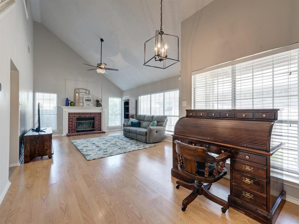912 Azalia  Drive, Lewisville, Texas 75067 - acquisto real estate best real estate company in frisco texas real estate showings