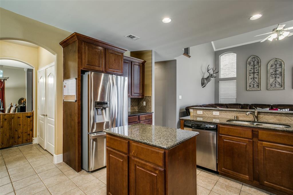 2170 Hunt Club Trail, Frisco, Texas 75033 - acquisto real estate best celina realtor logan lawrence best dressed realtor