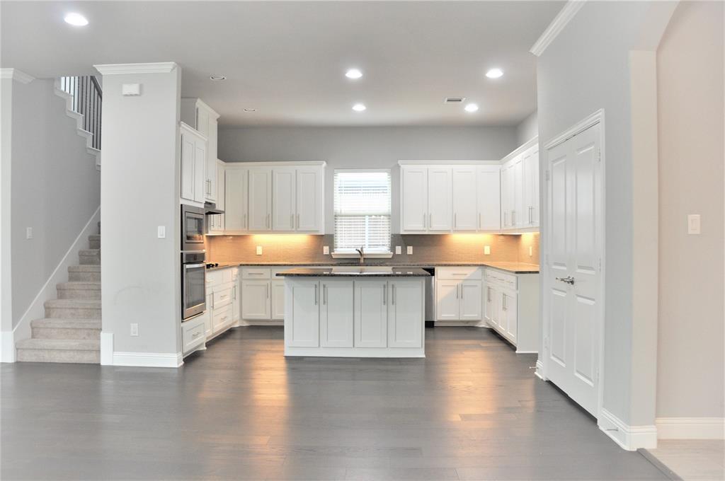 2606 Kuykendall Drive, Arlington, Texas 76001 - acquisto real estate best highland park realtor amy gasperini fast real estate service