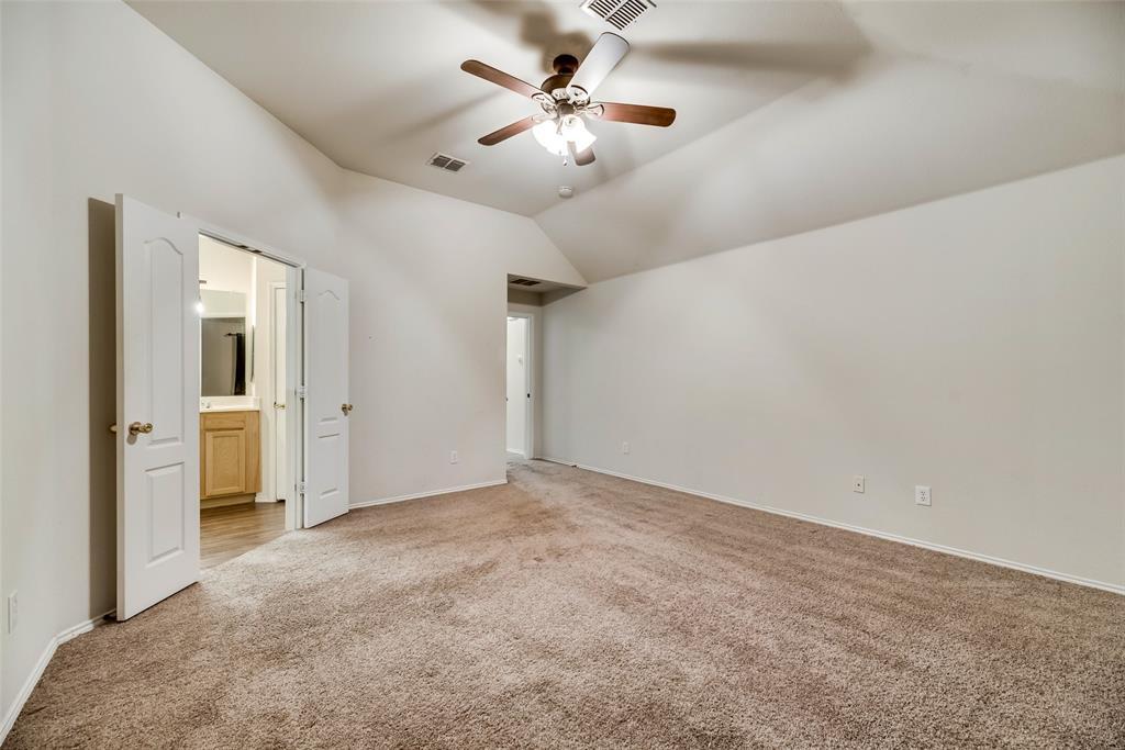 3621 Ranchman  Boulevard, Denton, Texas 76210 - acquisto real estate best realtor foreclosure real estate mike shepeherd walnut grove realtor