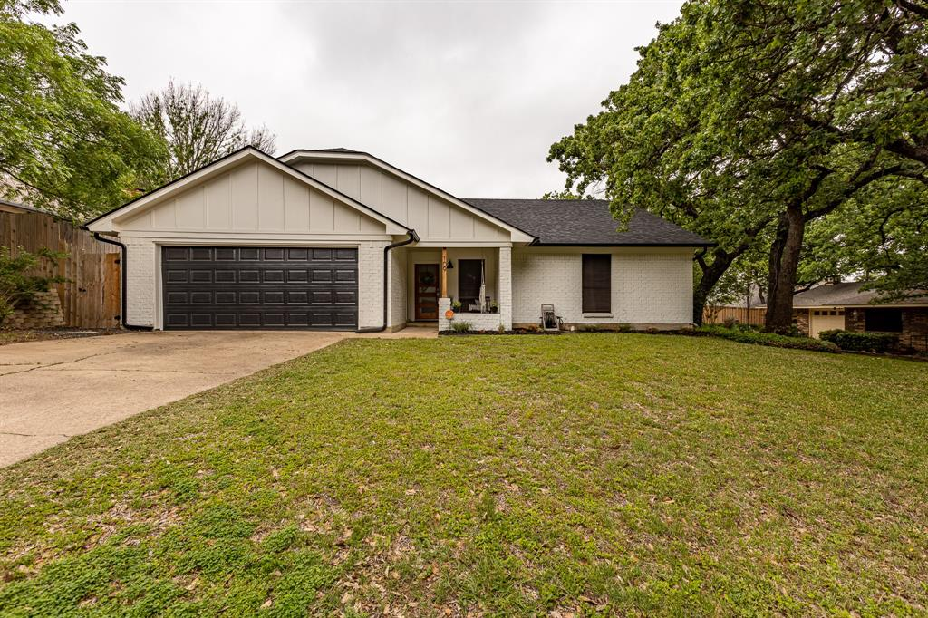 109 Rosamond  Street, Burleson, Texas 76028 - Acquisto Real Estate best plano realtor mike Shepherd home owners association expert