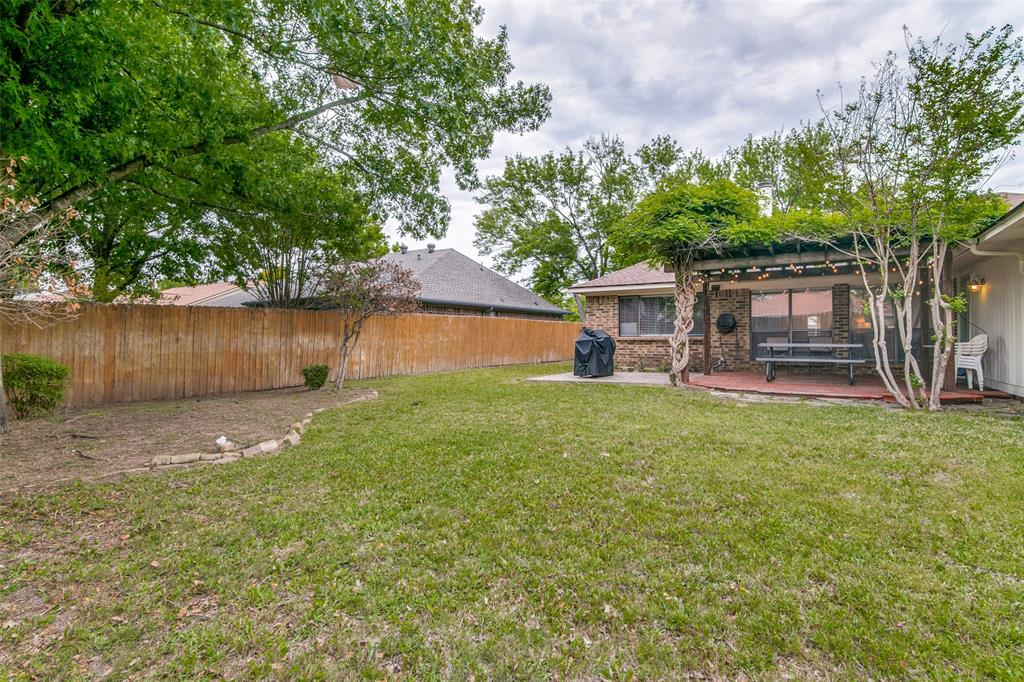 3205 Meadowood  Drive, Garland, Texas 75040 - acquisto real estate best realtor foreclosure real estate mike shepeherd walnut grove realtor