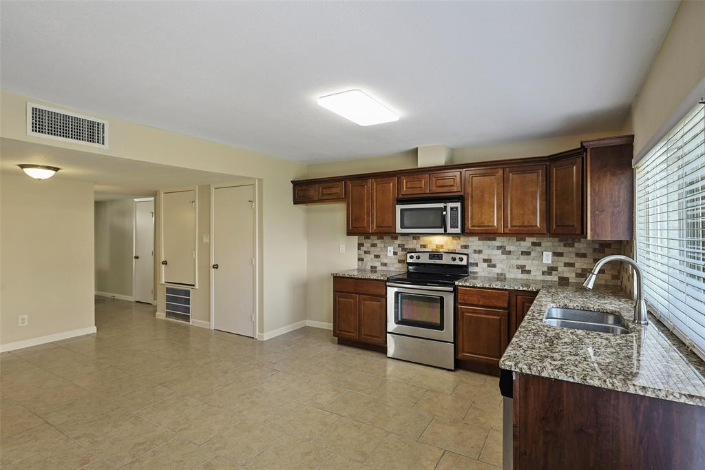 8105 Woodside  Road, Rowlett, Texas 75088 - acquisto real estate best real estate company to work for