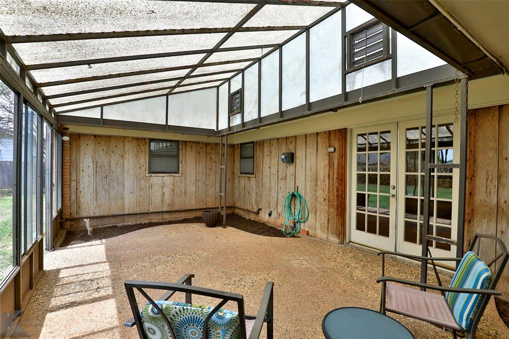 2215 Oakwood  Lane, Abilene, Texas 79605 - acquisto real estate best park cities realtor kim miller best staging agent