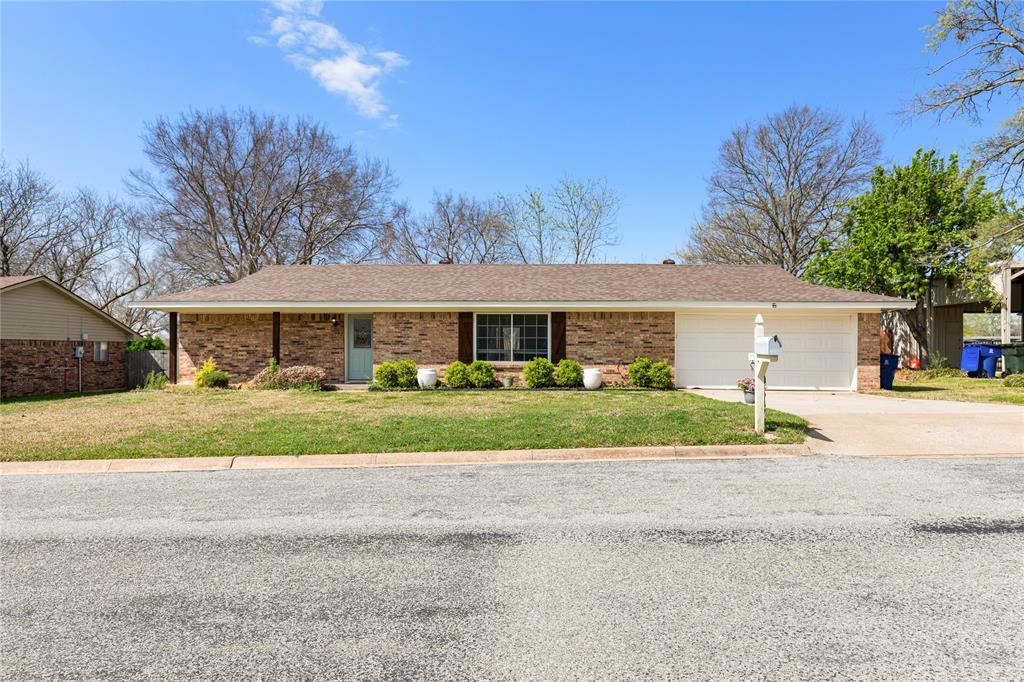 2410 Ridgewood Drive, Sherman, Texas 75092 - Acquisto Real Estate best plano realtor mike Shepherd home owners association expert