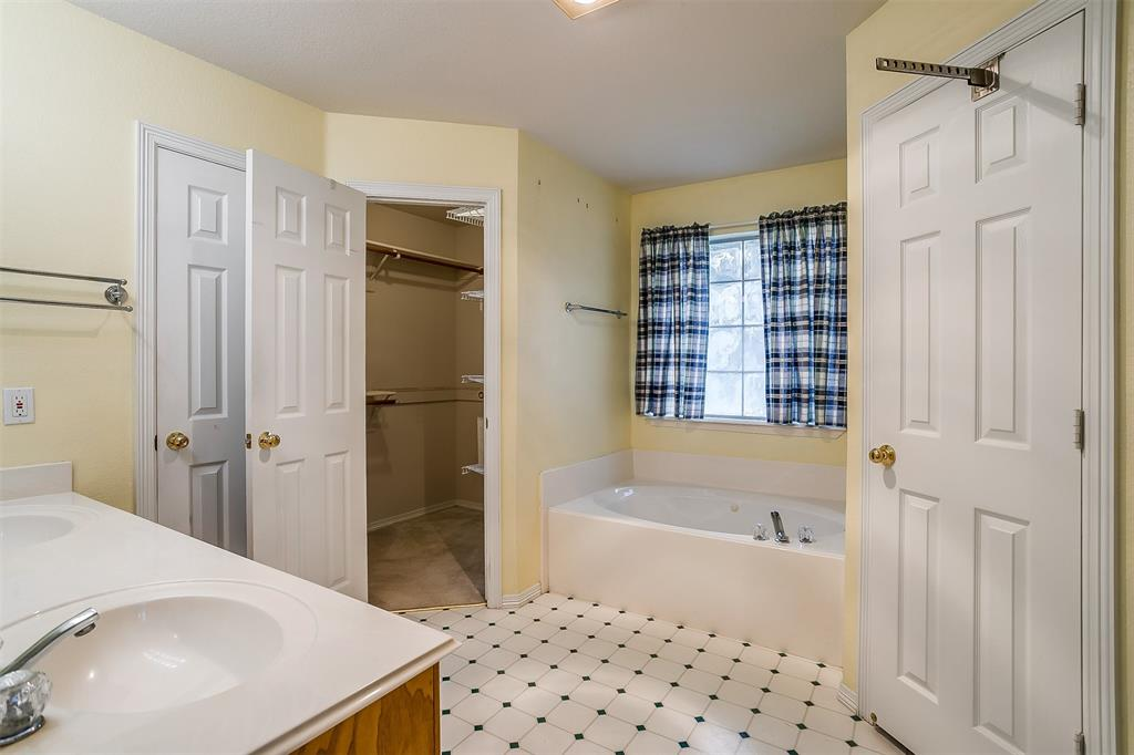 8625 Water Tower  Road, Fort Worth, Texas 76179 - acquisto real estate best realtor dallas texas linda miller agent for cultural buyers