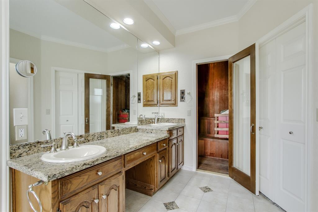 3904 Gettysburg Circle, Plano, Texas 75023 - acquisto real estate best designer and realtor hannah ewing kind realtor