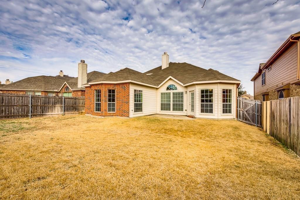 11805 Vienna Apple Road, Fort Worth, Texas 76244 - acquisto real estate best celina realtor logan lawrence best dressed realtor