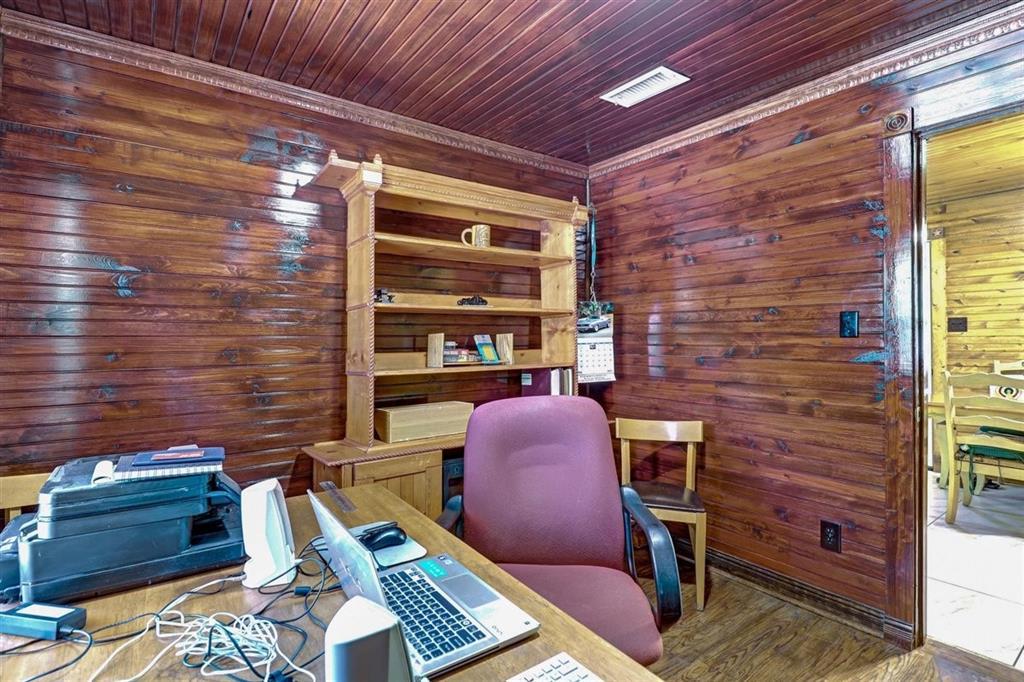 925 Hemlock Drive, West Tawakoni, Texas 75474 - acquisto real estate best plano real estate agent mike shepherd
