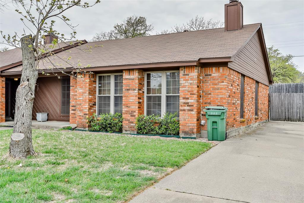 1041 Stableway Lane, Bedford, Texas 76022 - Acquisto Real Estate best plano realtor mike Shepherd home owners association expert