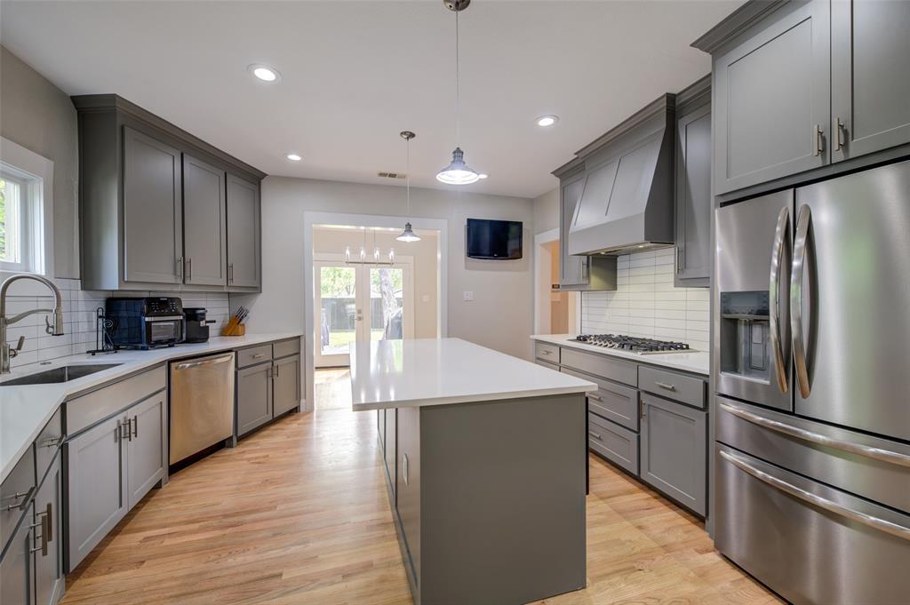610 Clinton  Avenue, Dallas, Texas 75208 - acquisto real estate best listing agent in the nation shana acquisto estate realtor