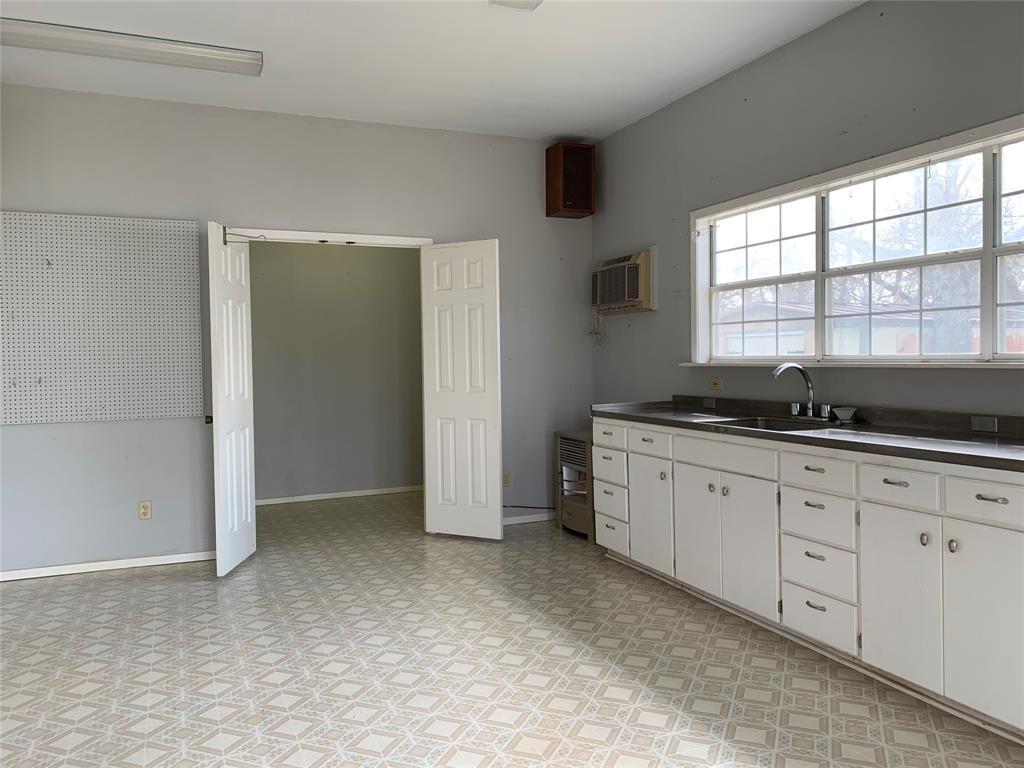 805 Virginia Street, Graham, Texas 76450 - acquisto real estate best realtor dallas texas linda miller agent for cultural buyers