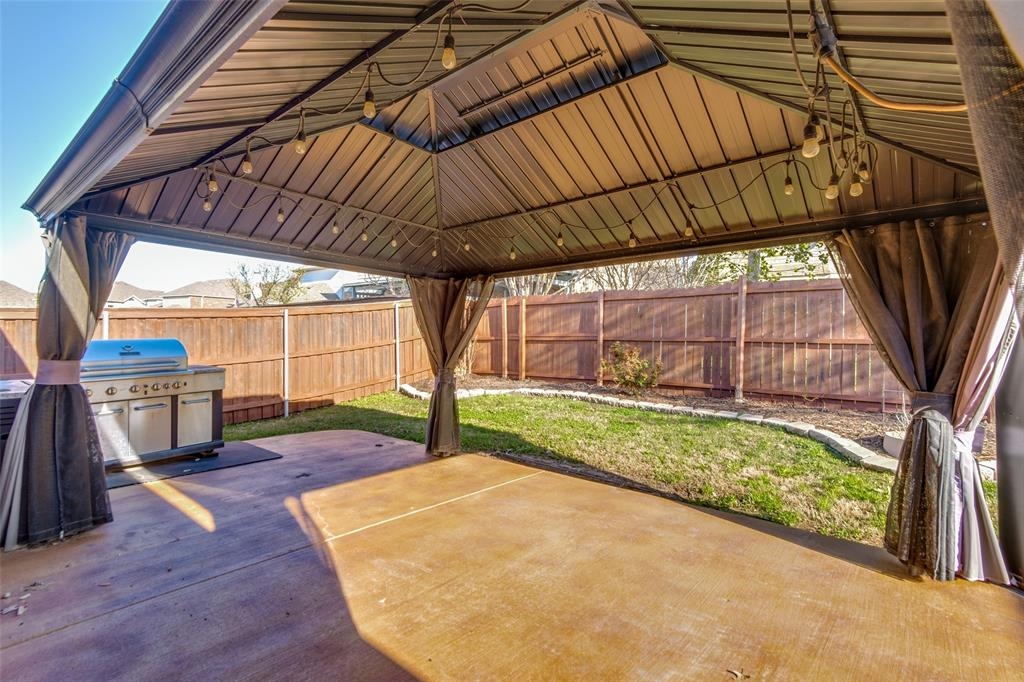 2424 Forest Gate Drive, Little Elm, Texas 75068 - acquisto real estate best realtor foreclosure real estate mike shepeherd walnut grove realtor