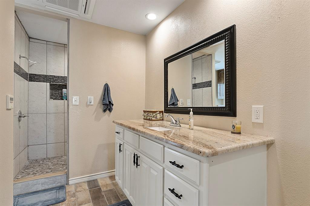 5901 Sachse  Road, Sachse, Texas 75048 - acquisto real estate best photos for luxury listings amy gasperini quick sale real estate