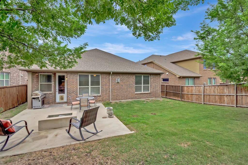 1395 Sandhurst  Drive, Roanoke, Texas 76262 - acquisto real estate best listing photos hannah ewing mckinney real estate expert