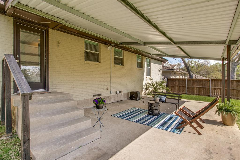 11619 Colmar Street, Dallas, Texas 75218 - acquisto real estate best realtor foreclosure real estate mike shepeherd walnut grove realtor