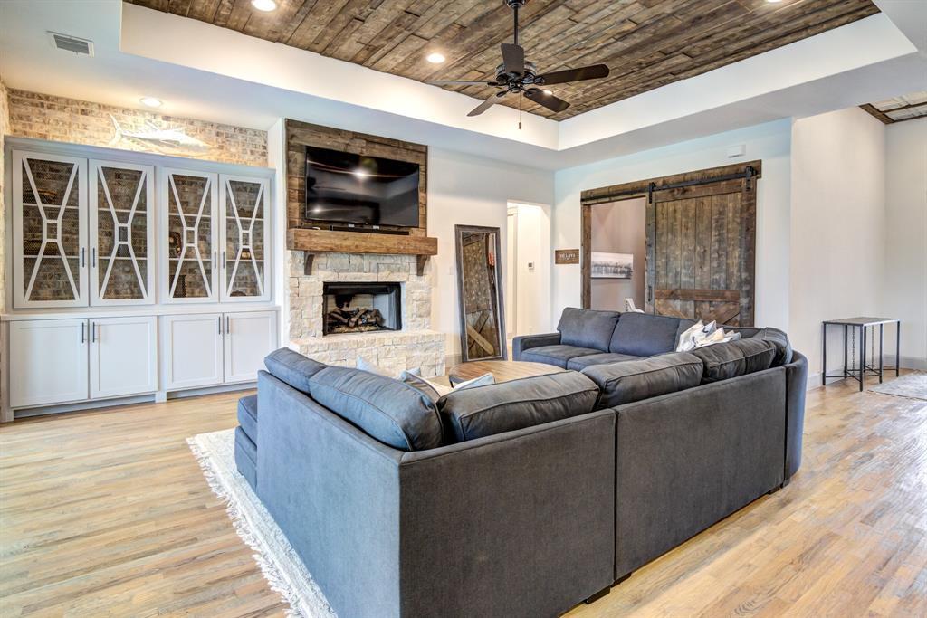 4704 Lake Shore  Drive, McKinney, Texas 75071 - acquisto real estate best allen realtor kim miller hunters creek expert
