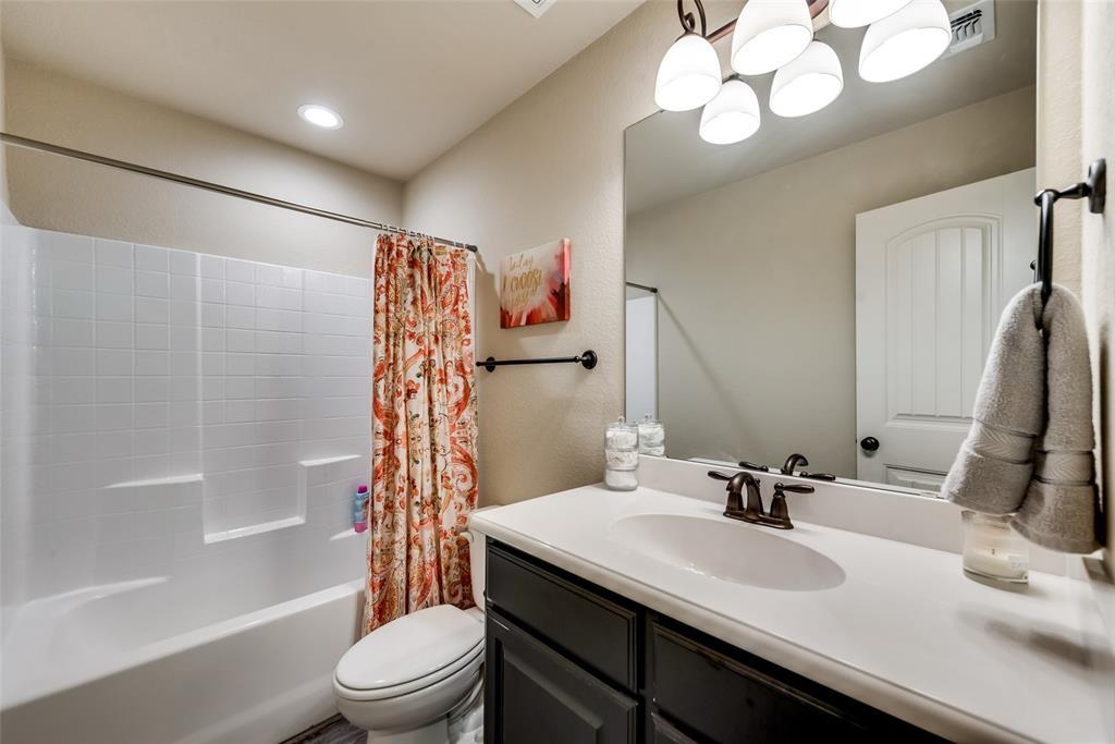 1016 Skyview  Court, Midlothian, Texas 76065 - acquisto real estate best realtor dfw jody daley liberty high school realtor