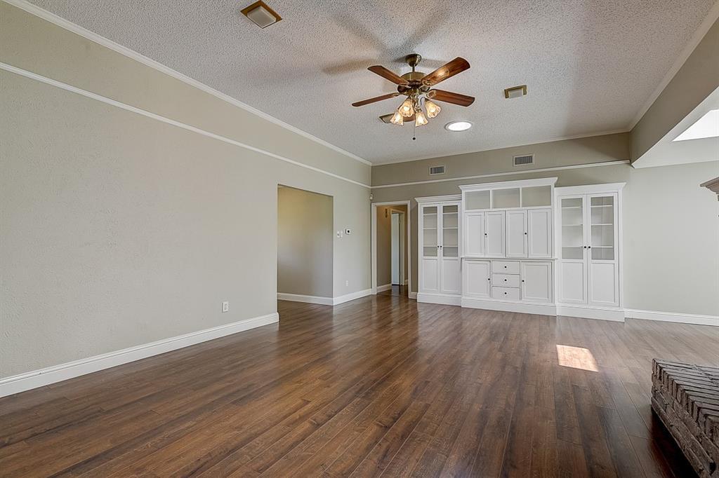 1810 Vassar Drive, Richardson, Texas 75081 - acquisto real estate best park cities realtor kim miller best staging agent