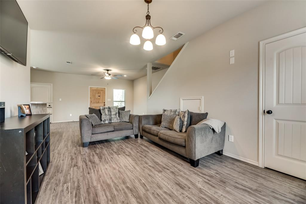 1016 Skyview  Court, Midlothian, Texas 76065 - acquisto real estate best real estate company to work for